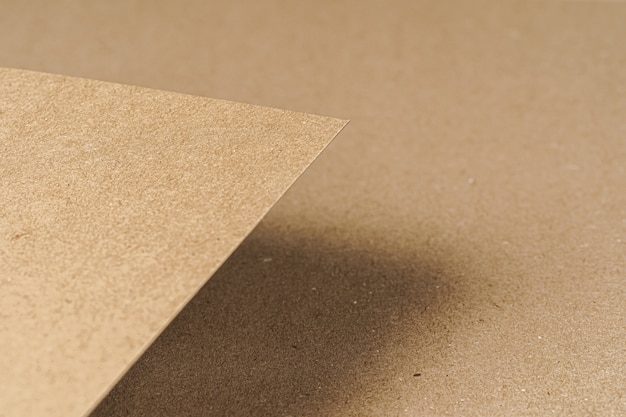 Bruin gerecycled karton vellen papier close-up. bedrijfsconcept