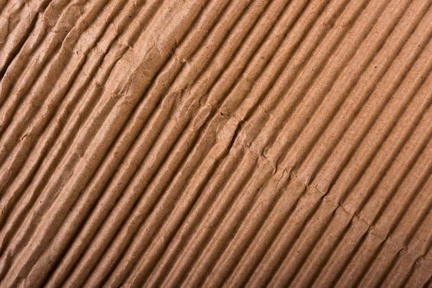 Bruin golfkarton blad