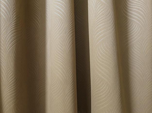 Bruin gordijn in slaapkamer backgroung