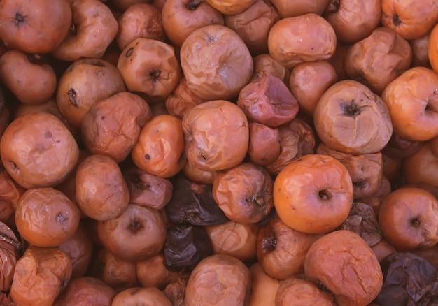 Bruin rottende appels.