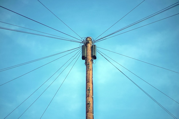 Bruine elektrische post