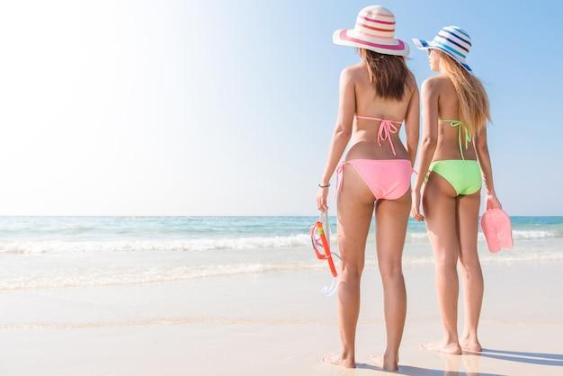 Bruine levensstijl persoon bikini actief
