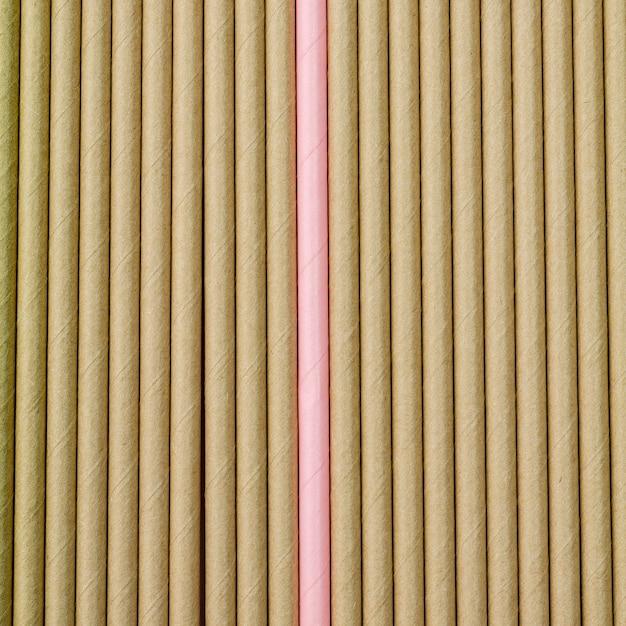 Bruine papieren rietjes achtergrond