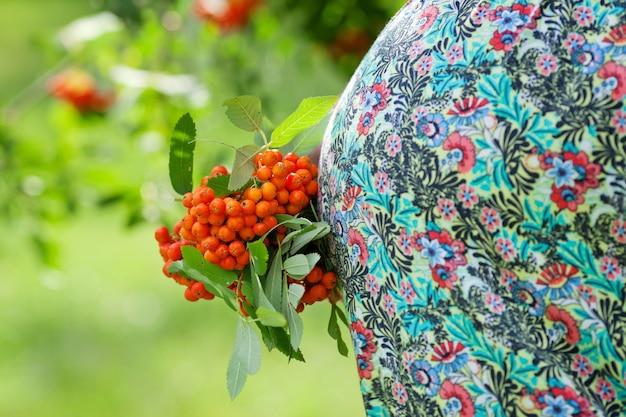 Buik van een zwangere vrouw, close-up