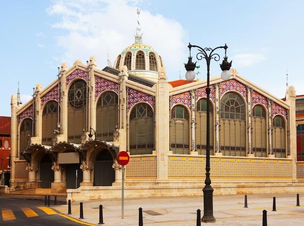 Buitenkant van mercado central in valencia