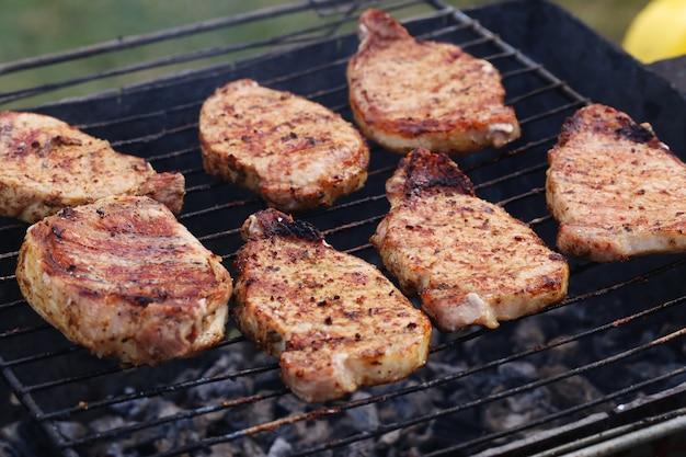 Buitenshuis. heerlijke barbecue