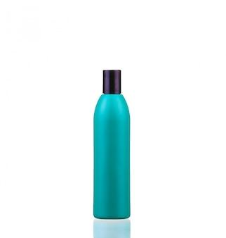 Buizen shampoo, conditioner, haarspoeling, mondwater, op wit met reflectie