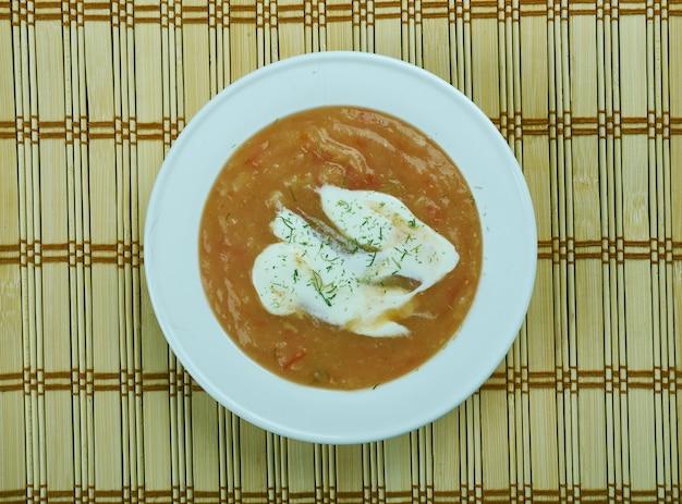Bulgurlu yoghurt corbasi - turkse soep met bulgur en yoghurt