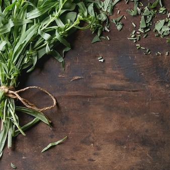 Bundel van verse italiaanse kruiden