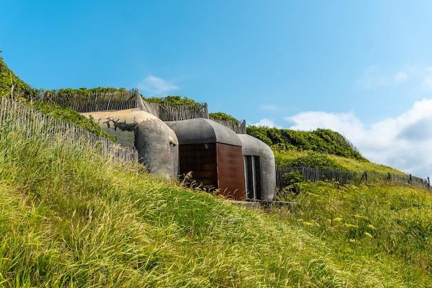 Bunkers uit de wereldoorlog in het natuurpark van saint jean de luz genaamd parc de sainte barbe, col de la grun in het franse baskenland