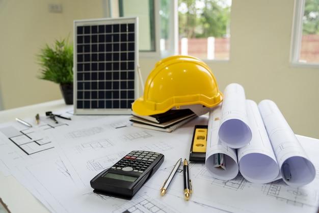 Bureau van architecten zonne-energie powered home green voor vermindering van het broeikaseffect.
