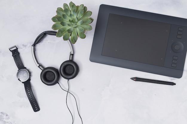 Bureaudesktop met een grafisch tablet