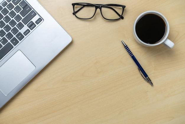 Bureauwerkruimte en tafelachtergrond