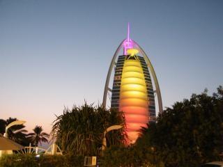 Burj al arab bij zonsondergang-dubai
