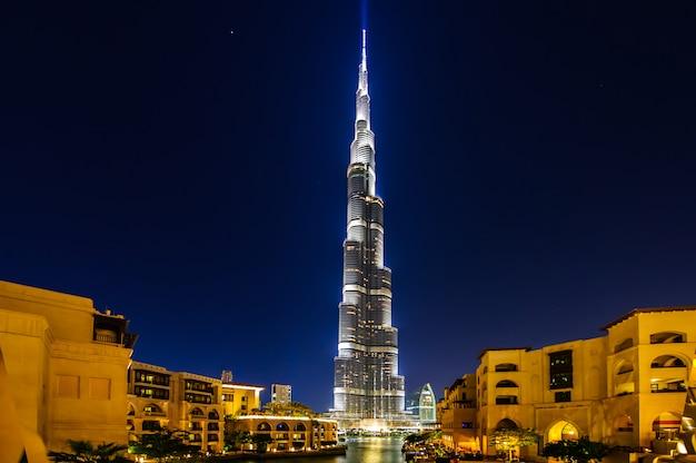 Burj khalifa 's nachts in dubai