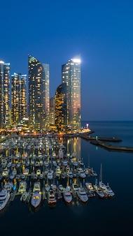Busan city-de bouwhorizon en wolkenkrabber in zuid-korea