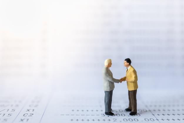 Business, geld, financiële en samenwerking concept.