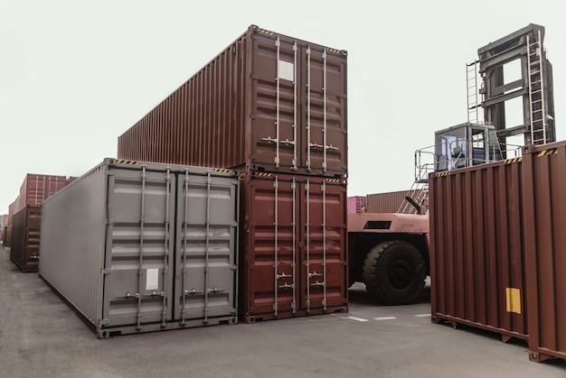 Business logistics concept, kaart wereldwijde partnerverbinding van container cargo vrachtschip