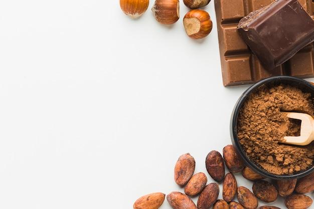 Cacaobonen en kastanjes kopiëren ruimte