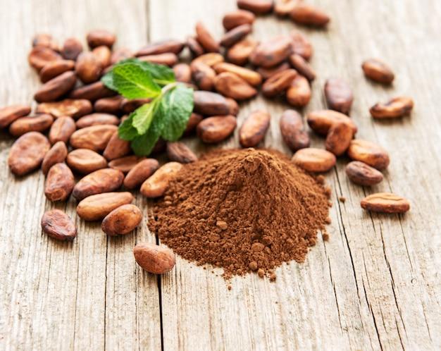 Cacaopoeder en bonen