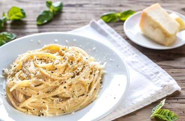 Cacio e pepe - spaghetti met kaas en peper