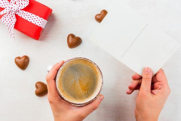 Cadeau, koffie en snoep voor valentijnsdag