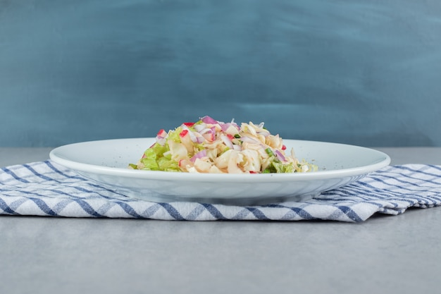 Caesarsalade met sla en kipfilet