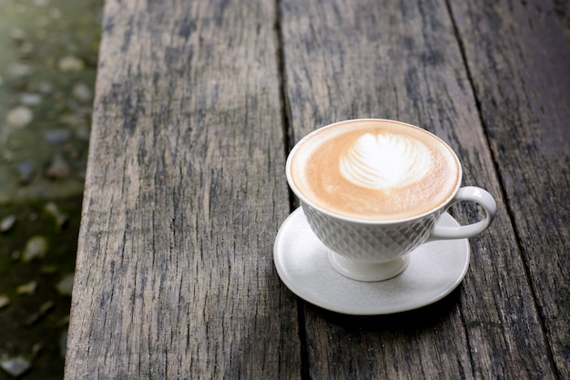 Caffee latte in witte kop