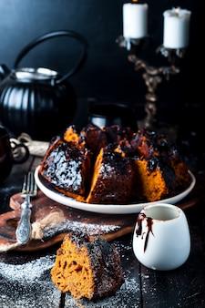 Cake met jam en chocolade