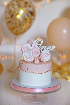 Cake met suikerglazuur