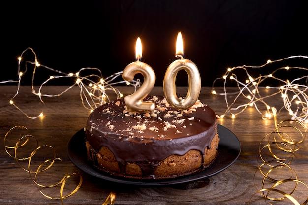 Cake van de close-up de gelukkige verjaardag