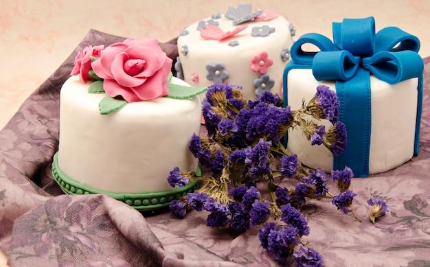 Cake versierd