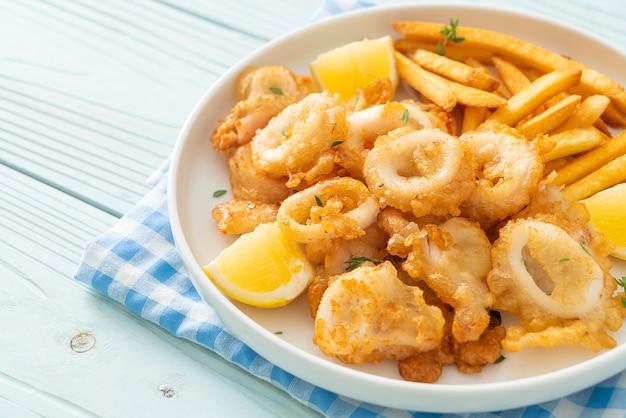 Calamares - gebakken inktvis of octopus met frietjes