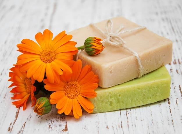 Calendula en handgemaakte zeep
