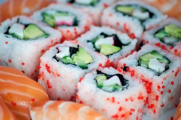 Californië maki en sushi close-up