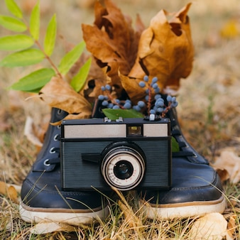 Camera-apparaat buiten op schoenen ondersteuning