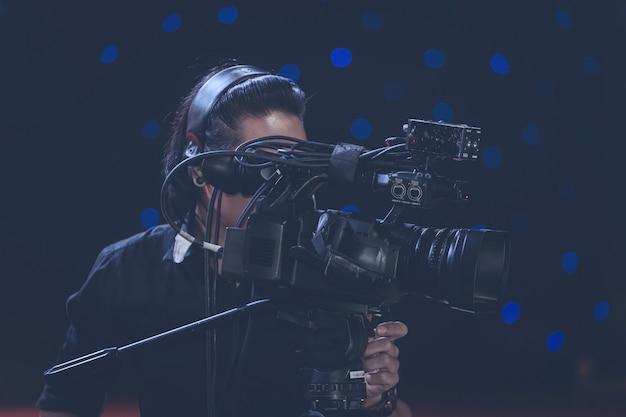 Cameraman in een vergaderzaal