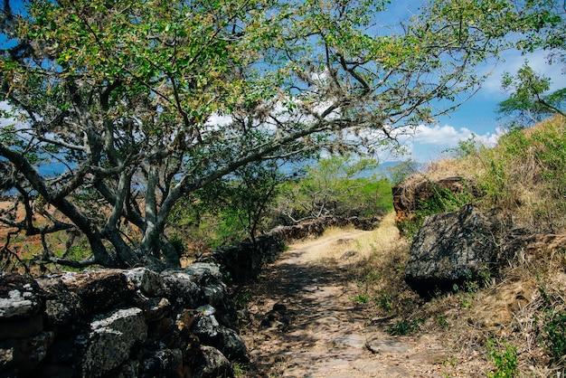 Camino real van barichara tot guane in colombia.