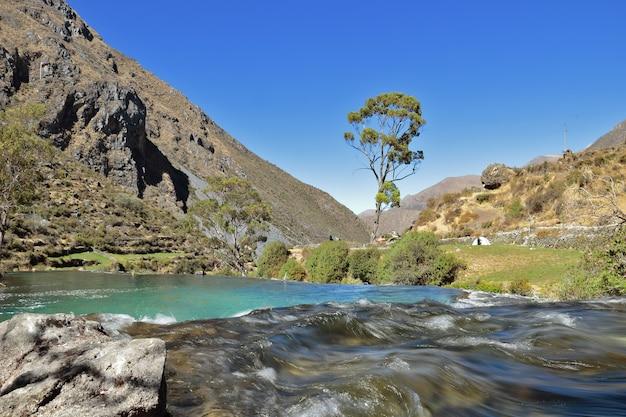 Cañete-rivier terwijl deze door huancaya loopt