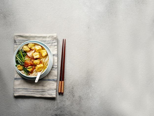 Canh broodje, vietnamese noedelsoep