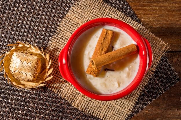 Canjica - typische braziliaanse snoepjes uit de juninaparty