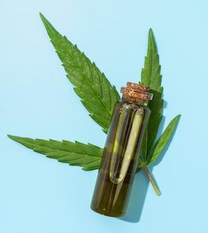 Cannabis olie fles arrangement