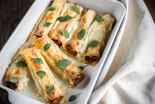 Cannelloni met gehakt en bechamel