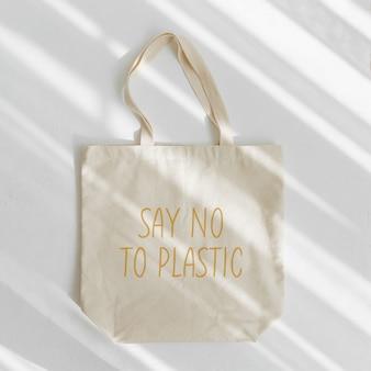 Canvas draagtas. zeg nee tegen kunststof. herbruikbare eco-tas. milieuvriendelijk concept.