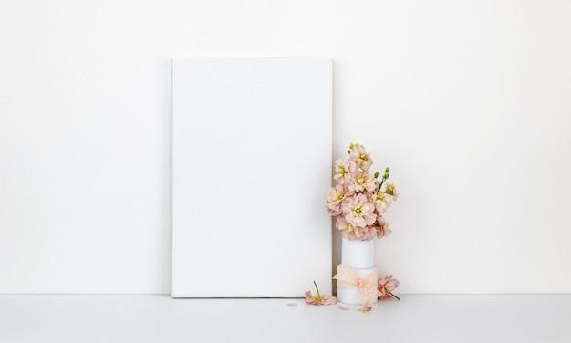 Canvasmodel, bloemen