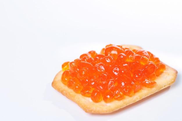 Capelin sushi caviar - masago orange. kaviaar van gerookte forel of kaviaar van koosjere zalm
