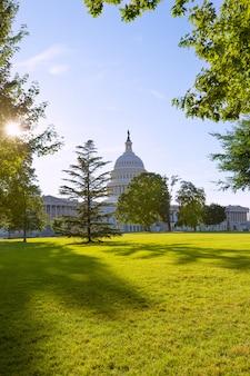Capitol gebouw washington dc zonsondergang tuin vs.