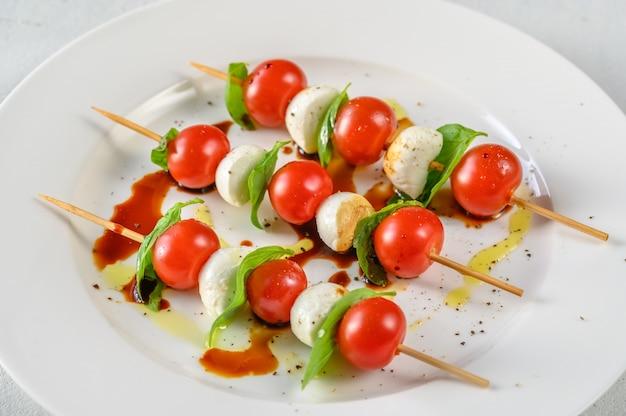 Caprese saladebrochettes