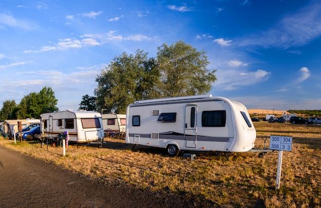 Car caravan aanhangwagen