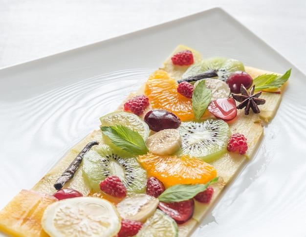 Carpaccio van fruit en bessen